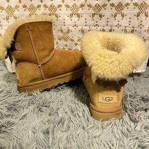 Women's UGG boots Bailey Bows II size 9